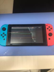 switch 踏んでしまって割れた液晶画面